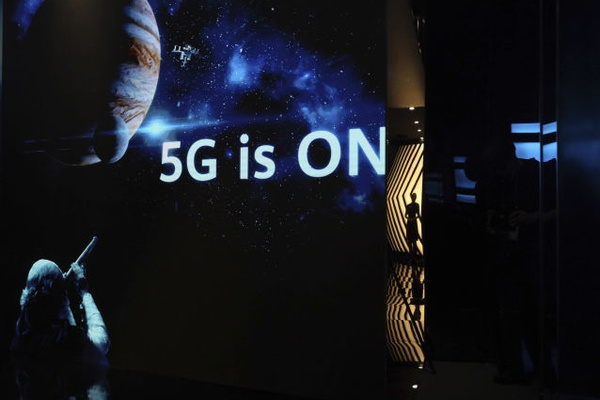 'Madness': US Reportedly Warns UK of Intelligence-Sharing Risk of Using Huawei in 5G Networks